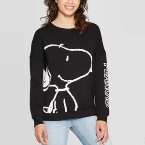 PEANUTS Snoopy Sweatshirt | Black | Crewneck